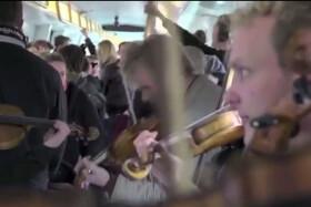 Filarmónica de Copenhagen tocando en el metro de Copenhagen